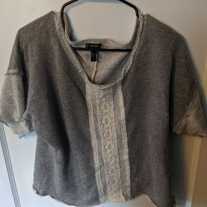 Short sleeve sweatshirt with lace detail by FANG